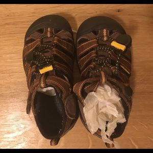 Keen Newport H2, toddler shoes, size 11